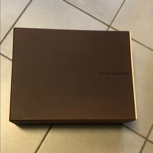 LOUIS VUITTON SHOES or BAG GIFT BOX